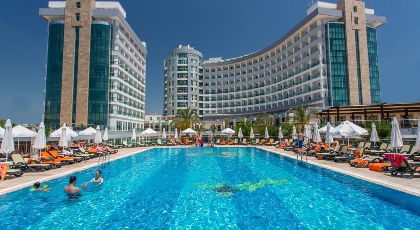 Sherwood Breezes Resort Hotel