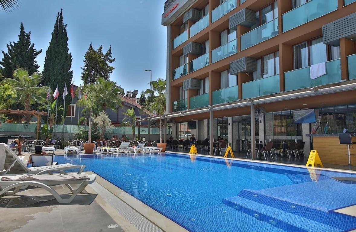 Laren Family Hotel