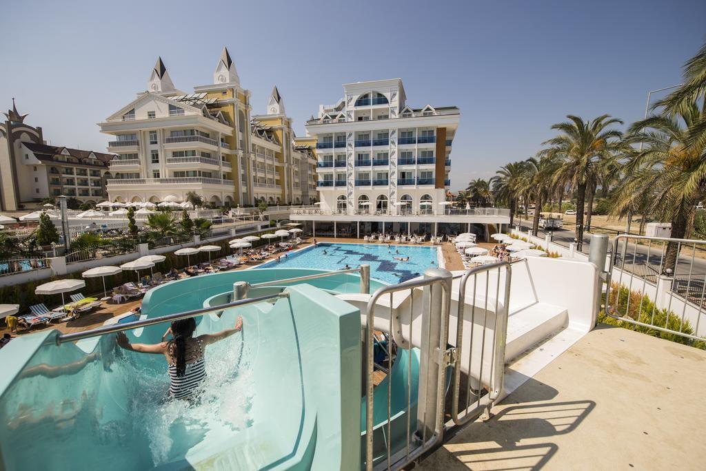 Palm World Resort