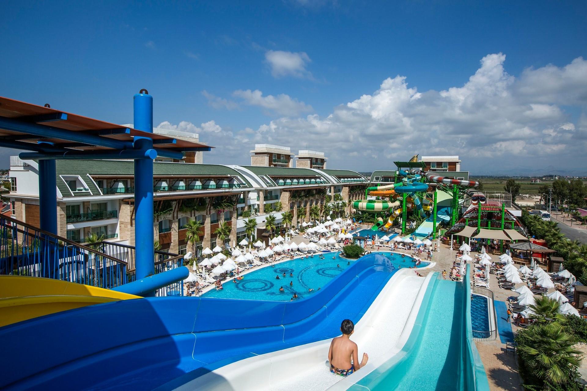 Crystal Waterworld Resort