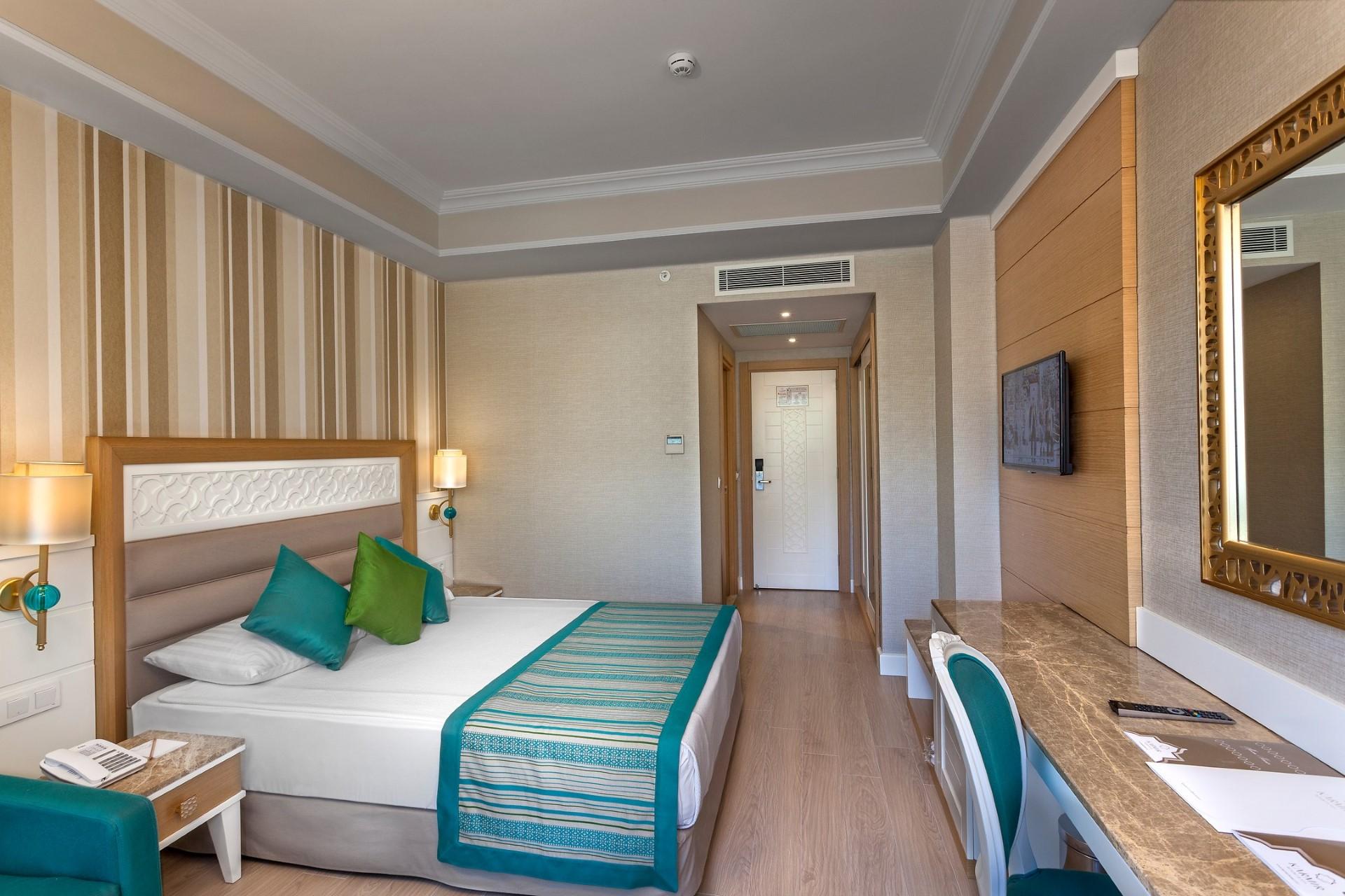 Karmir Resort Spa