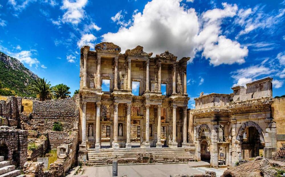 Kuşadası Efes Çeşme Alaçatı Turu Haftasonu