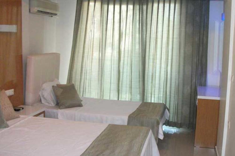 Temple Miletos Hotel